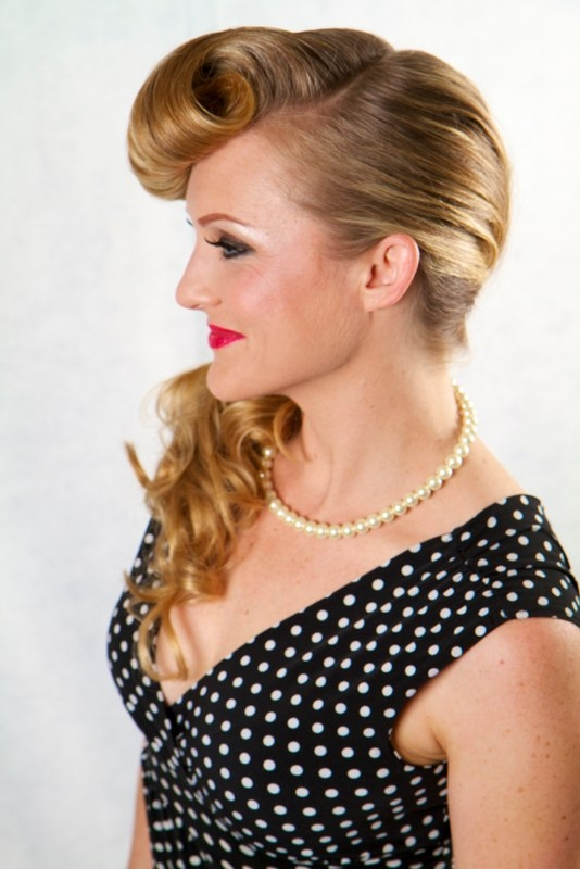 1950's ponytail with Pin Curl