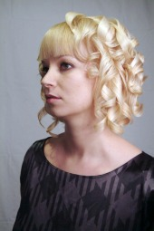 short curly hair cuts with bangs